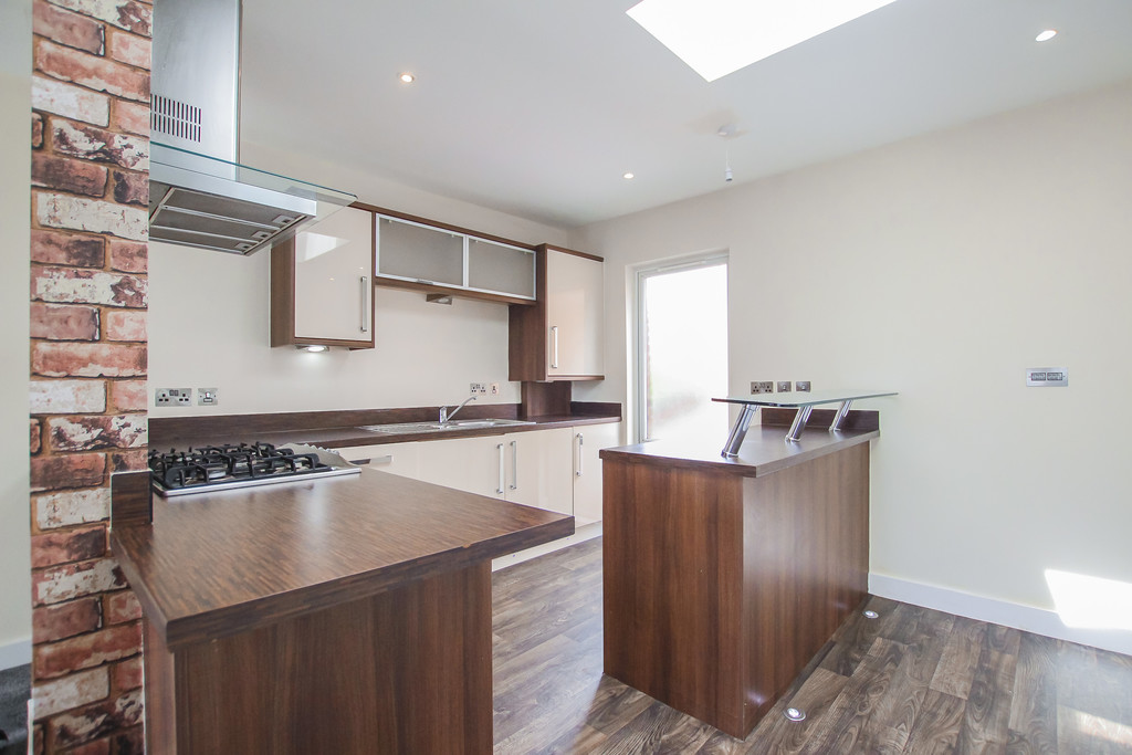 2 Bedroom Mews House To Rent - Image 27