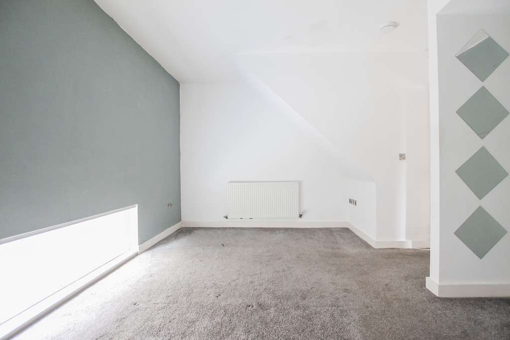 2 Bedroom Mews House To Rent - Image 9