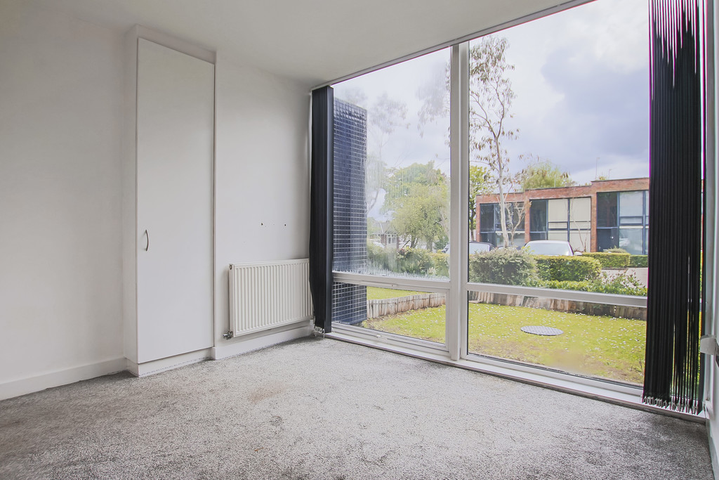 2 Bedroom Mews House To Rent - Image 32