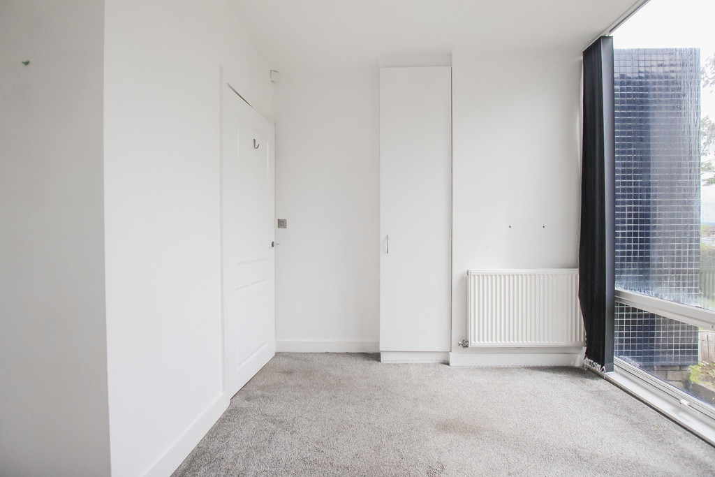 2 Bedroom Mews House To Rent - Image 13