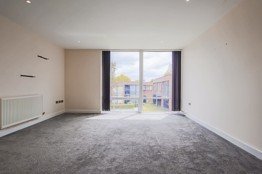 2 Bedroom Mews House To Rent - Image 11