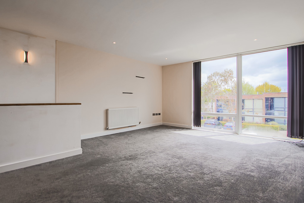 2 Bedroom Mews House To Rent - Image 19
