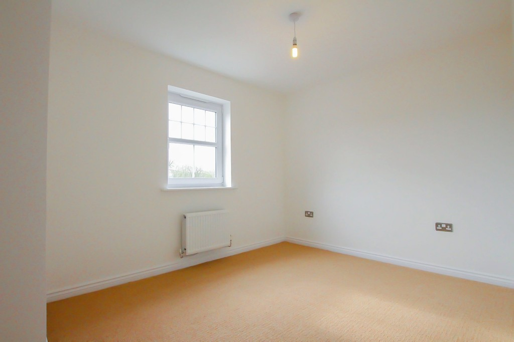 4 Bedroom Detached House To Rent - Image 22