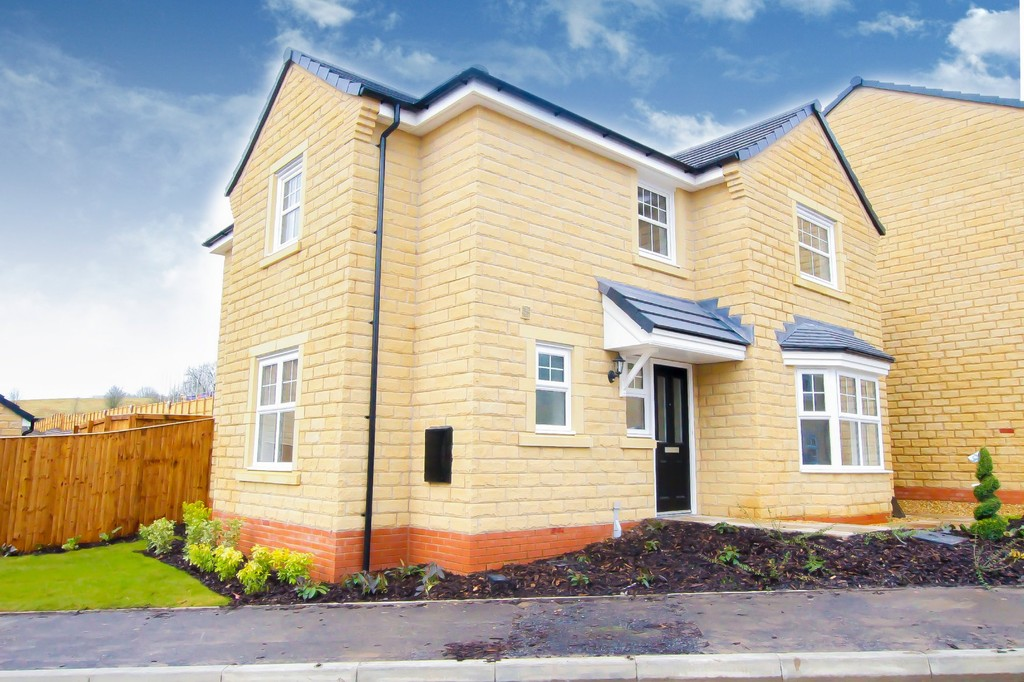4 Bedroom Detached House To Rent - Image 15