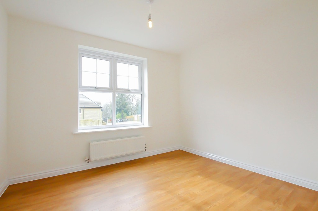 4 Bedroom Detached House To Rent - Image 4