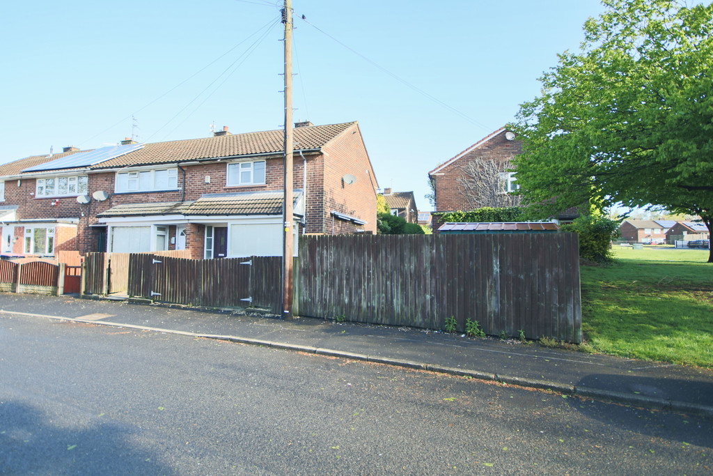 2 Bedroom Mews House To Rent - Image 12