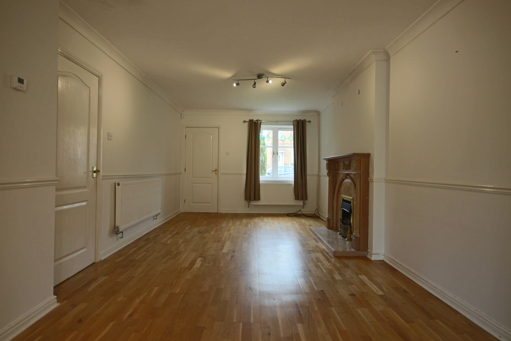 3 Bedroom Detached House To Rent - Image 14