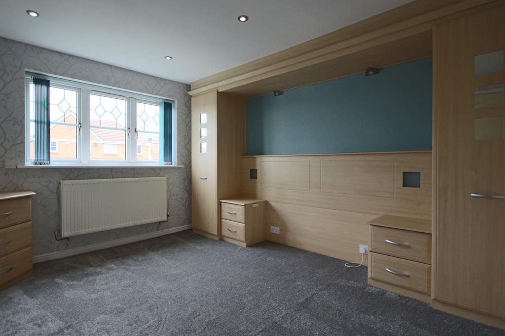 3 Bedroom Detached House To Rent - Image 7