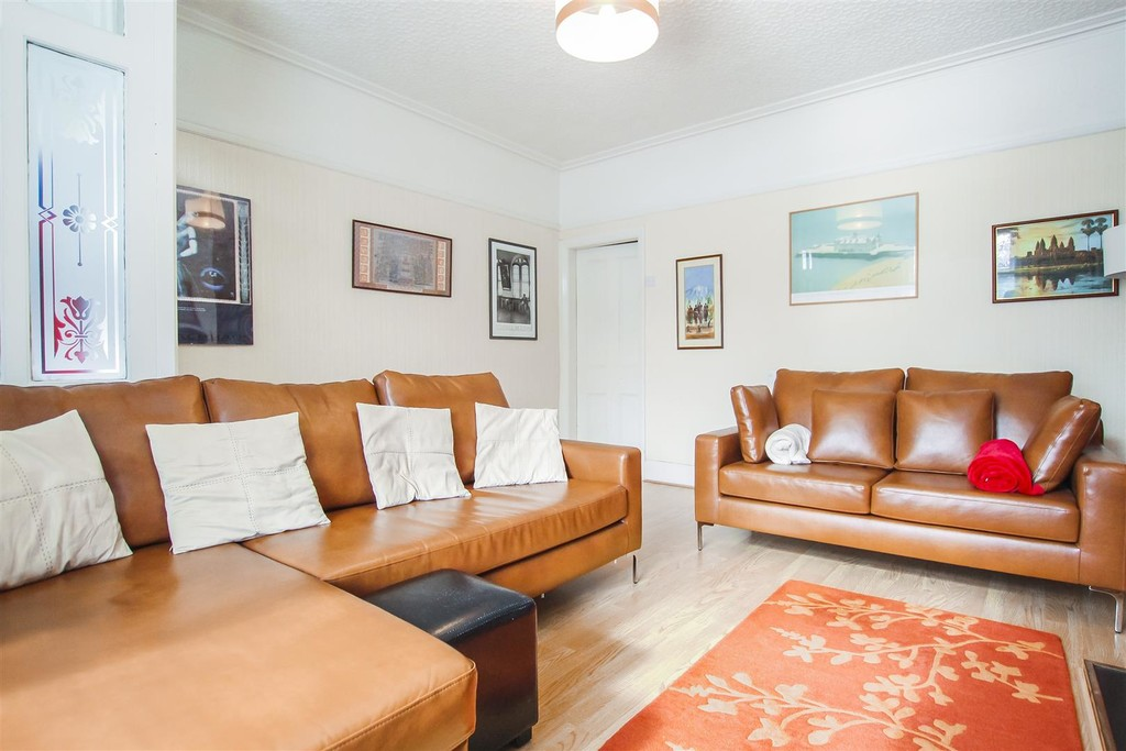 3 Bedroom Mid Terraced House To Rent - Image 26