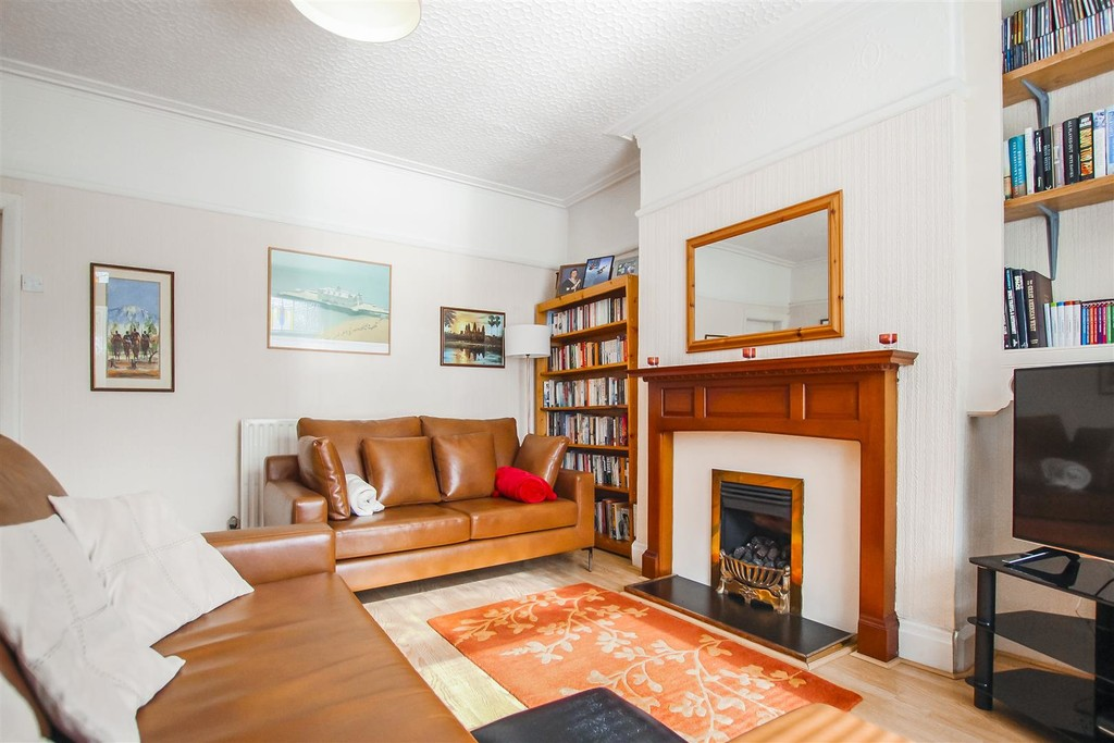 3 Bedroom Mid Terraced House To Rent - Image 29