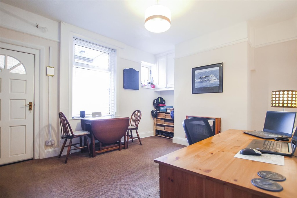 3 Bedroom Mid Terraced House To Rent - Image 21