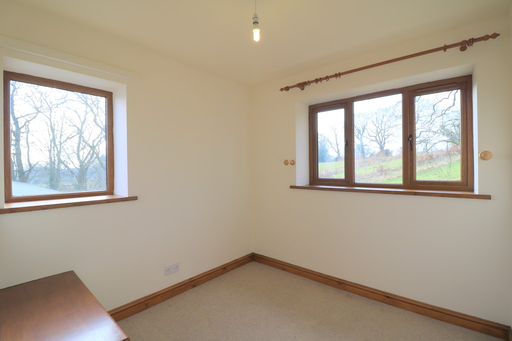 3 Bedroom Barn Conversion House To Rent - Image 20