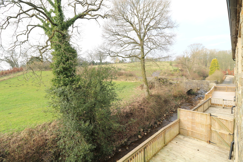3 Bedroom Barn Conversion House To Rent - Image 13