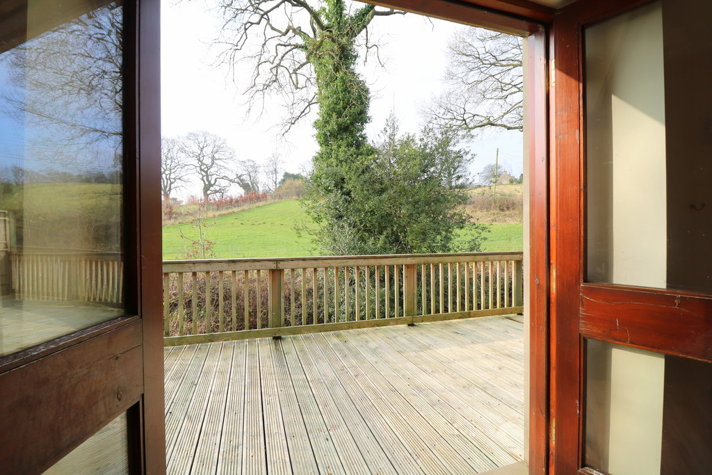 3 Bedroom Barn Conversion House To Rent - Image 21