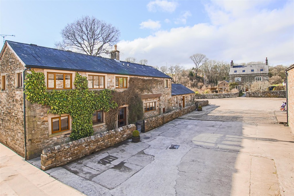 3 Bedroom Barn Conversion House To Rent - Image 19