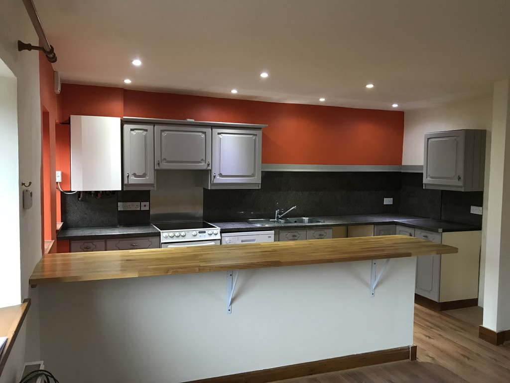 3 Bedroom Barn Conversion House To Rent - Image 2