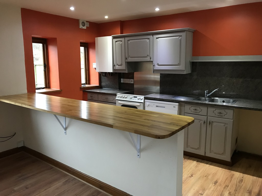 3 Bedroom Barn Conversion House To Rent - Image 23