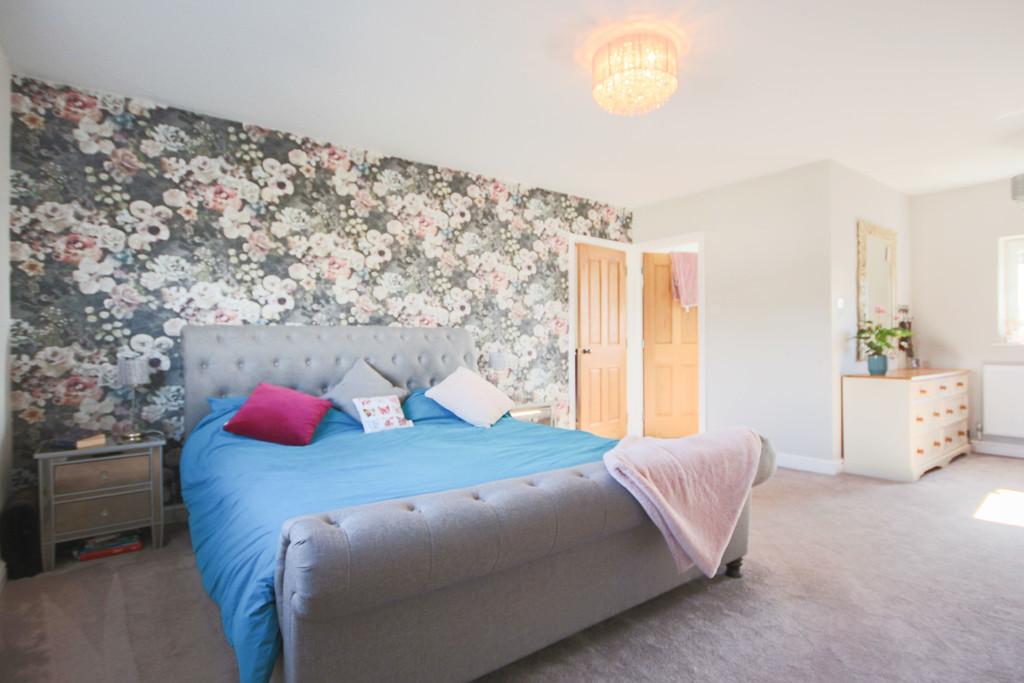 5 Bedroom Detached House To Rent - Image 7