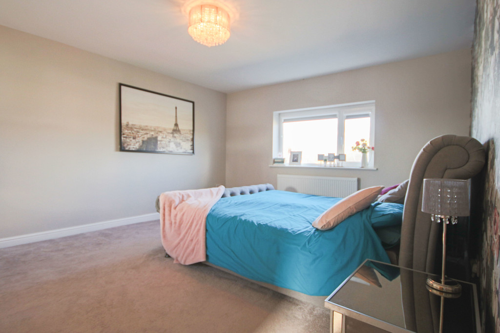 5 Bedroom Detached House To Rent - Image 20