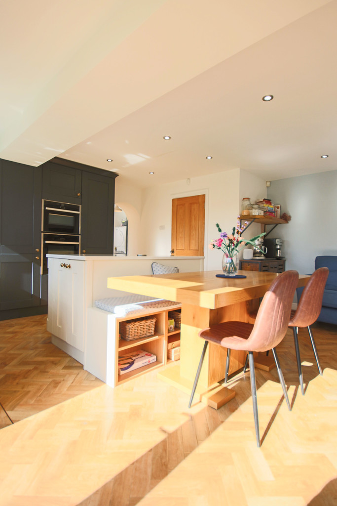 5 Bedroom Detached House To Rent - Image 27