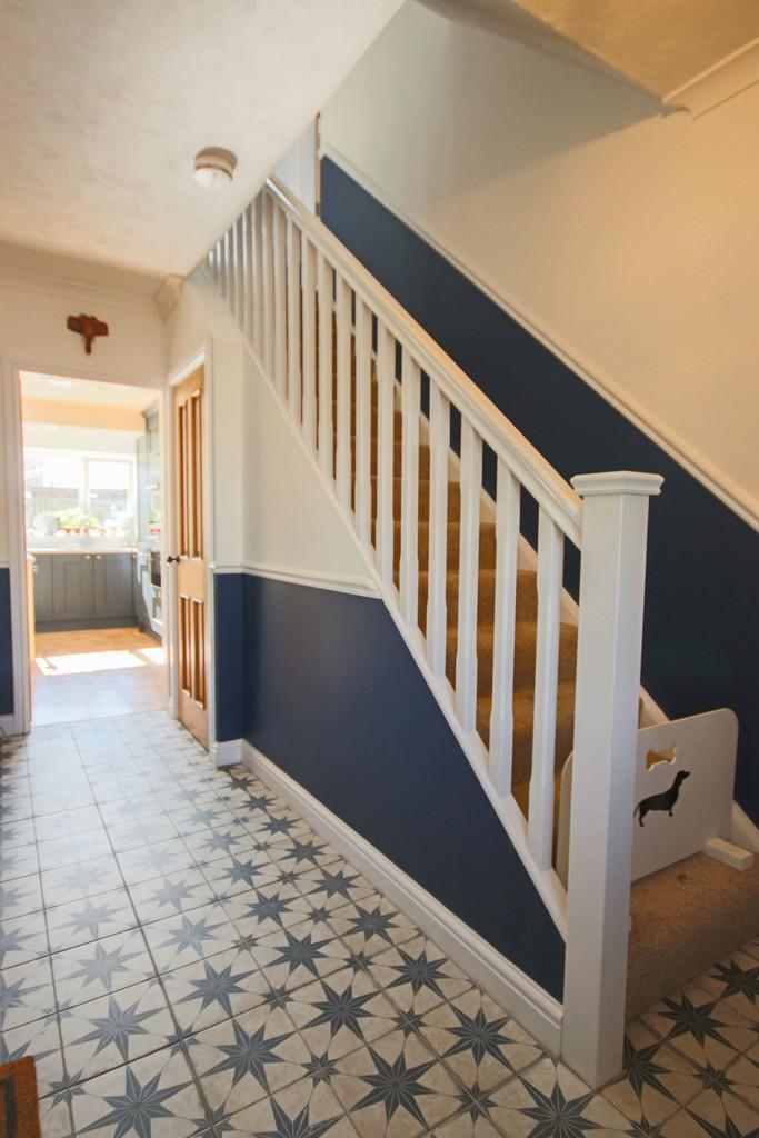 5 Bedroom Detached House To Rent - Image 29