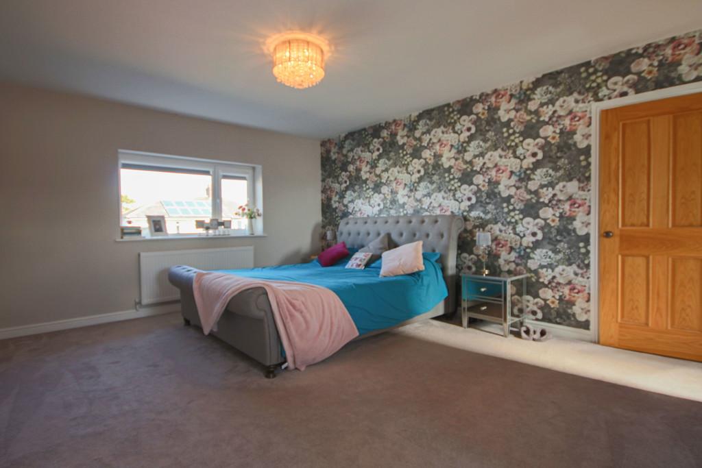 5 Bedroom Detached House To Rent - Image 8