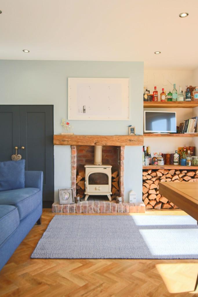 5 Bedroom Detached House To Rent - Image 32