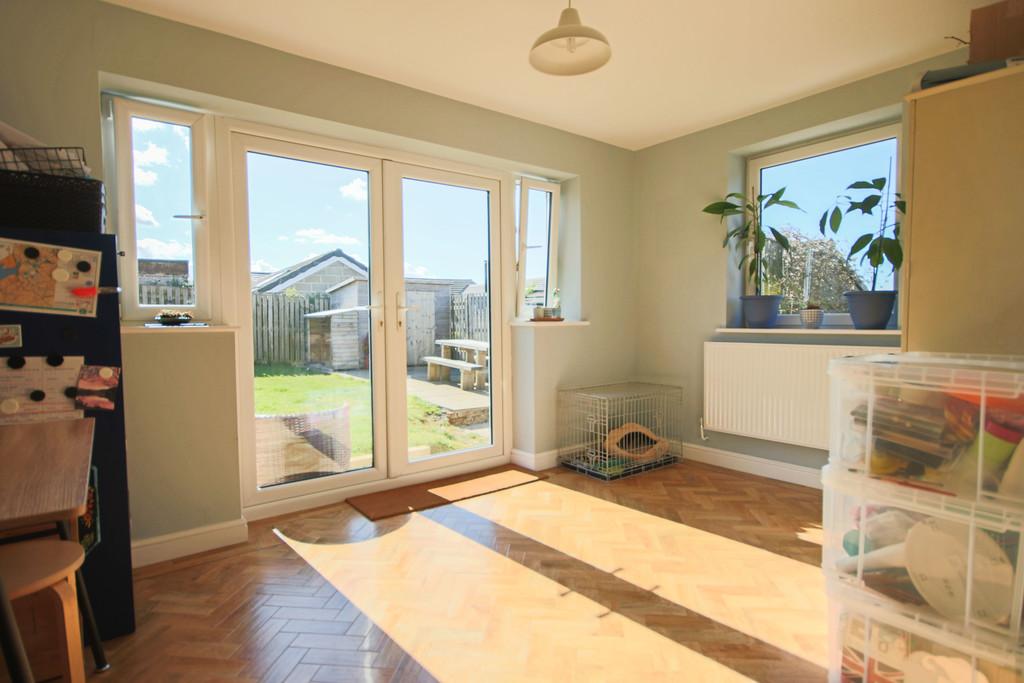 5 Bedroom Detached House To Rent - Image 16