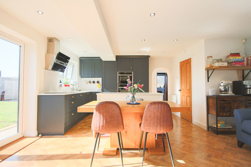 5 Bedroom Detached House To Rent - Image 15