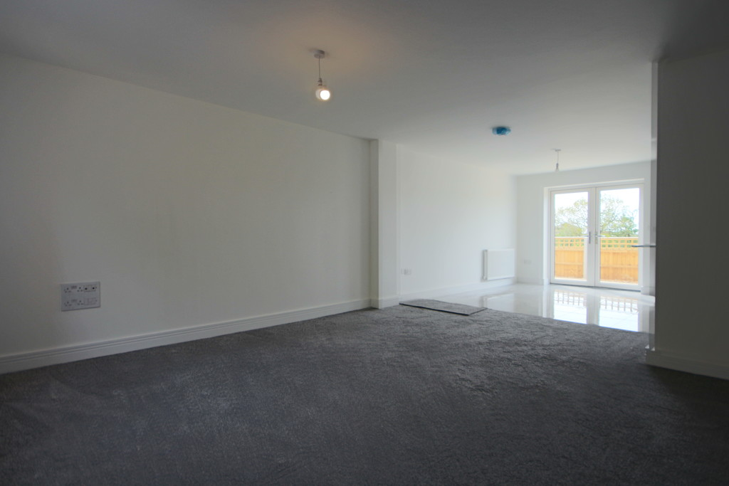 3 Bedroom Semi-detached House To Rent - Image 17