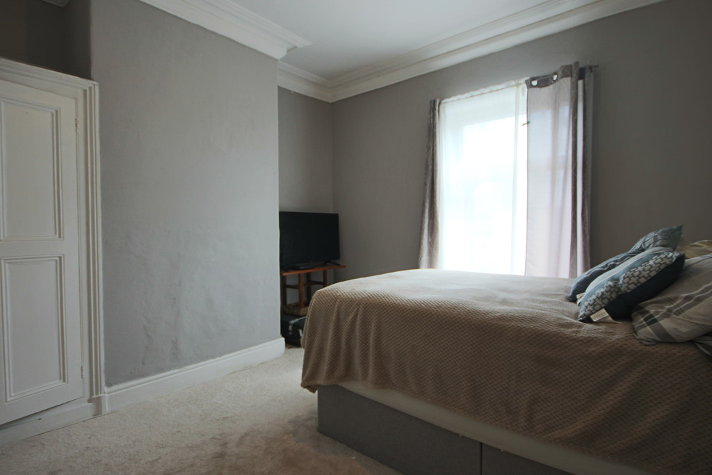 3 Bedroom Barn Conversion House To Rent - Image 6