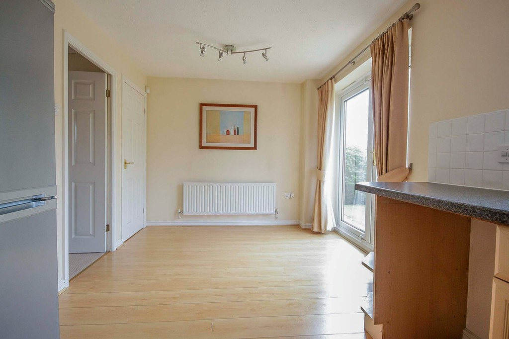 3 Bedroom Detached House To Rent - Image 21