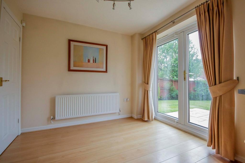 3 Bedroom Detached House To Rent - Image 4