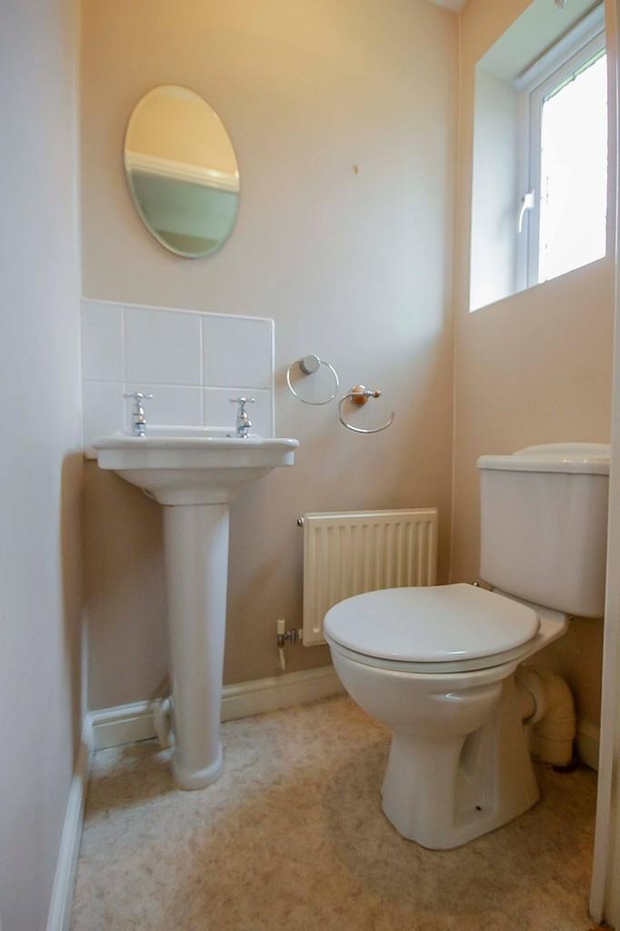 3 Bedroom Detached House To Rent - Image 40