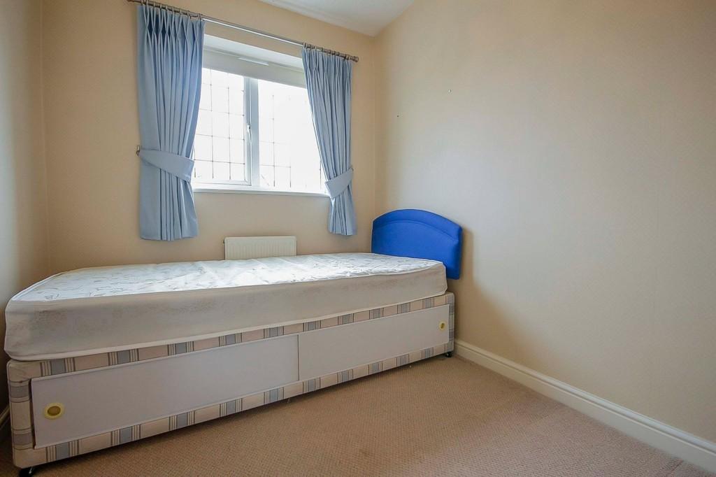 3 Bedroom Detached House To Rent - Image 30