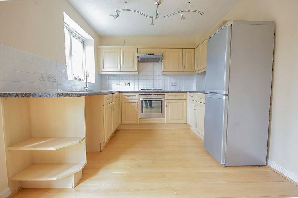 3 Bedroom Detached House To Rent - Image 18