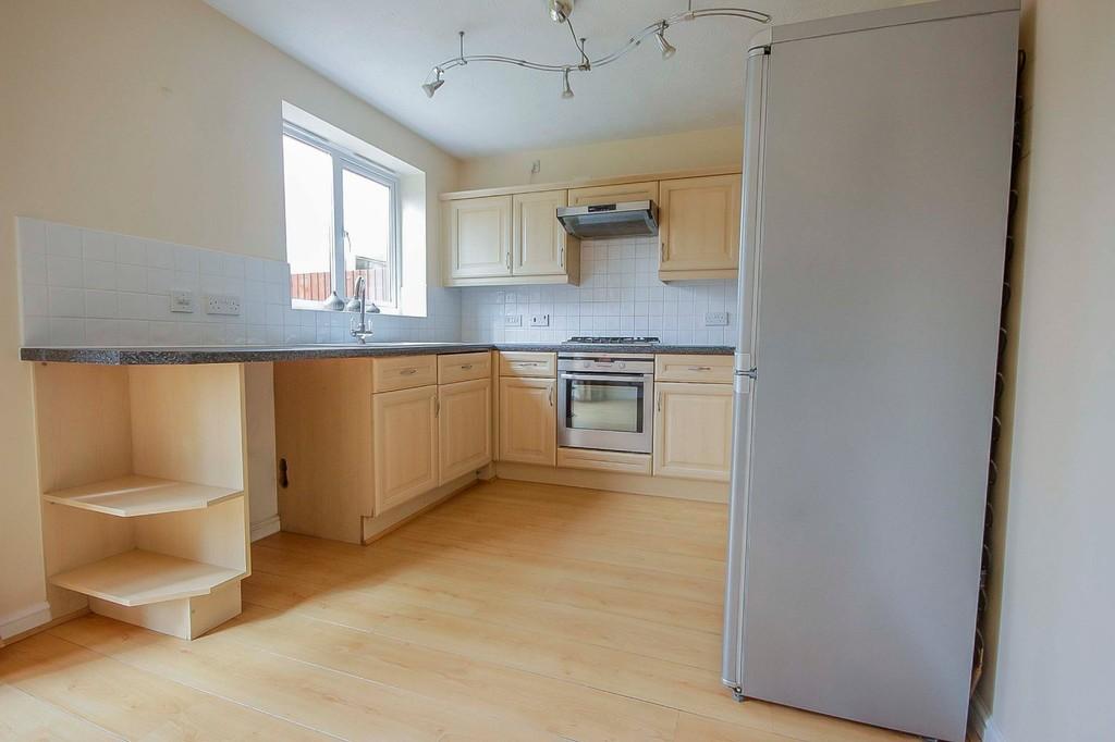 3 Bedroom Detached House To Rent - Image 20