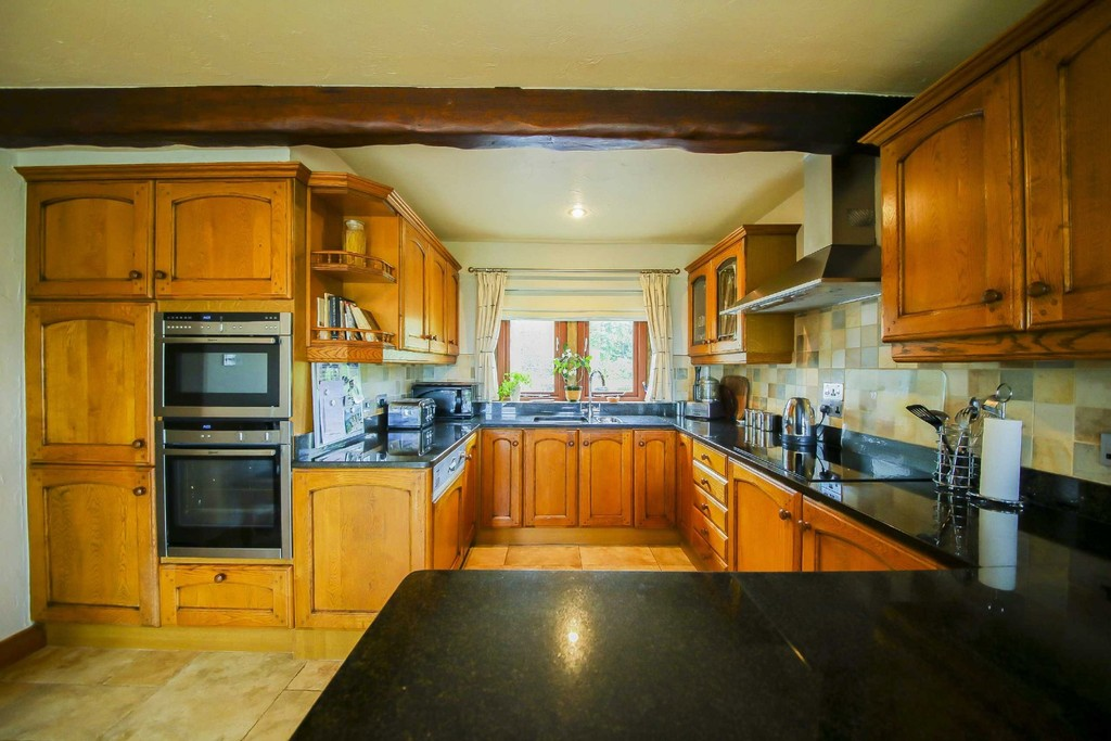 4 Bedroom Farm House To Rent - Image 15