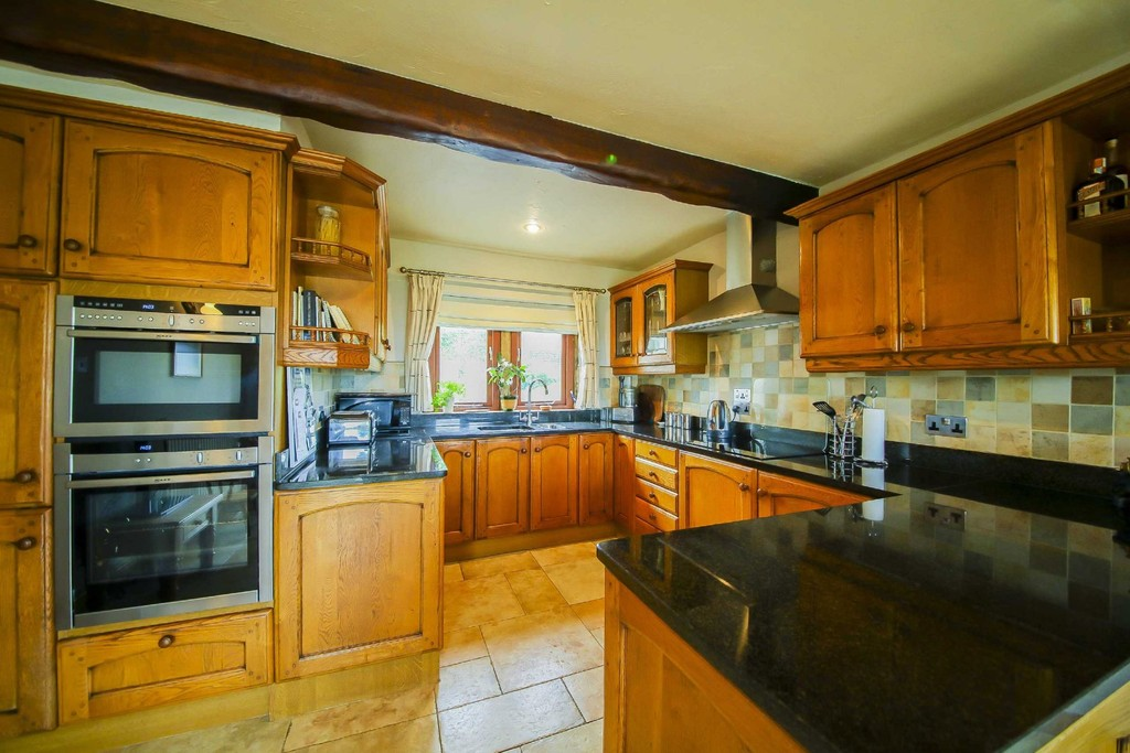 4 Bedroom Farm House To Rent - Image 3