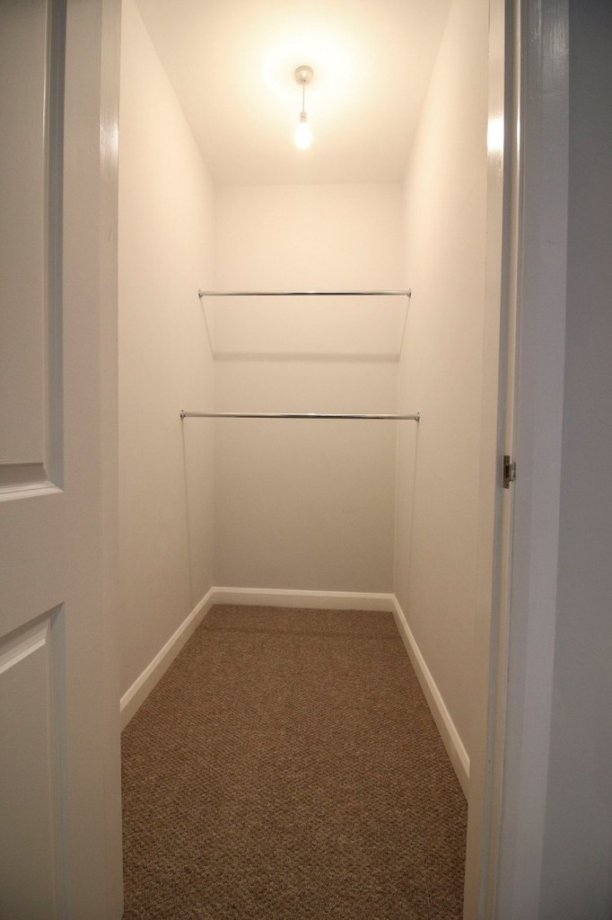 3 Bedroom Apartment Flat To Rent - Image 16
