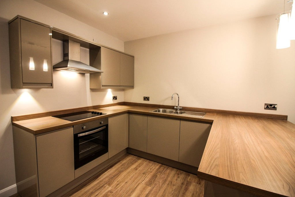 3 Bed Apartment Flat To Rent - Main Image