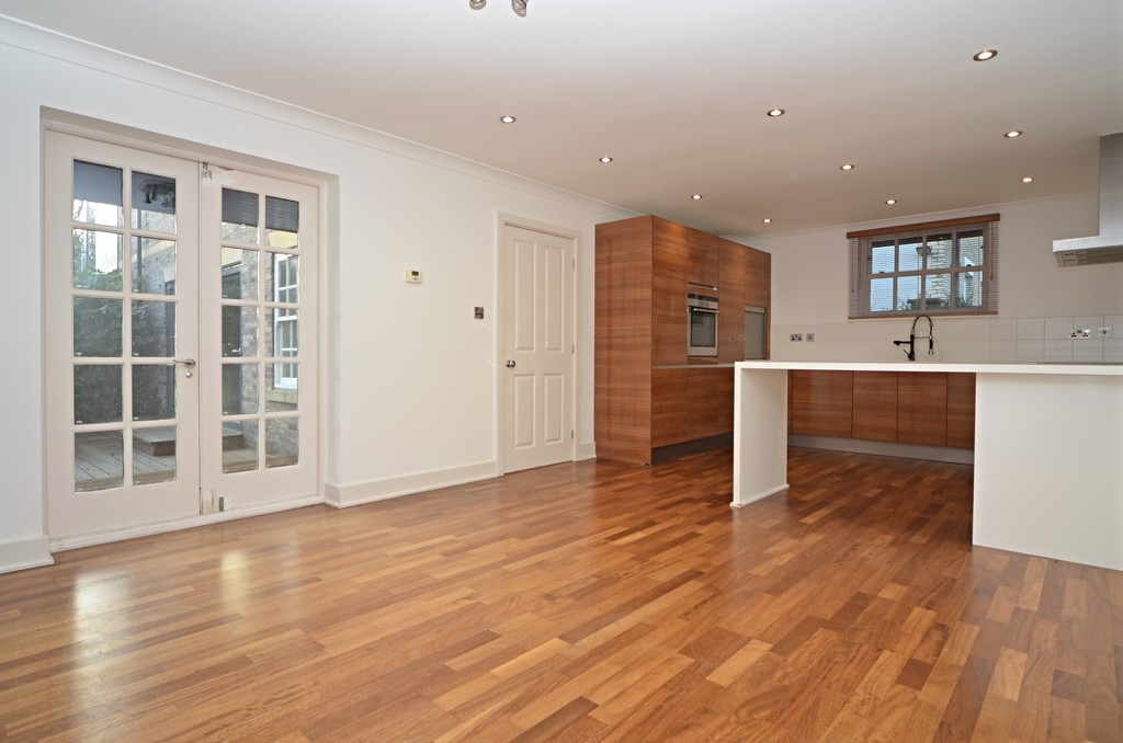 properties to rent hull, The Court Yard, House
