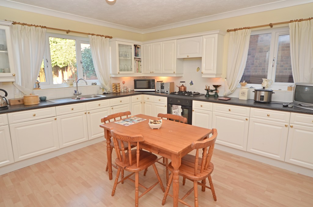 properties to buy hull, East End Road, Detached House