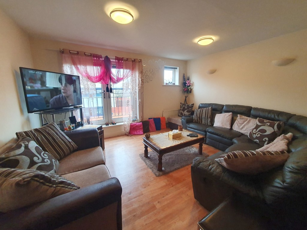 Three/Four Bedrooms or Extra Reception