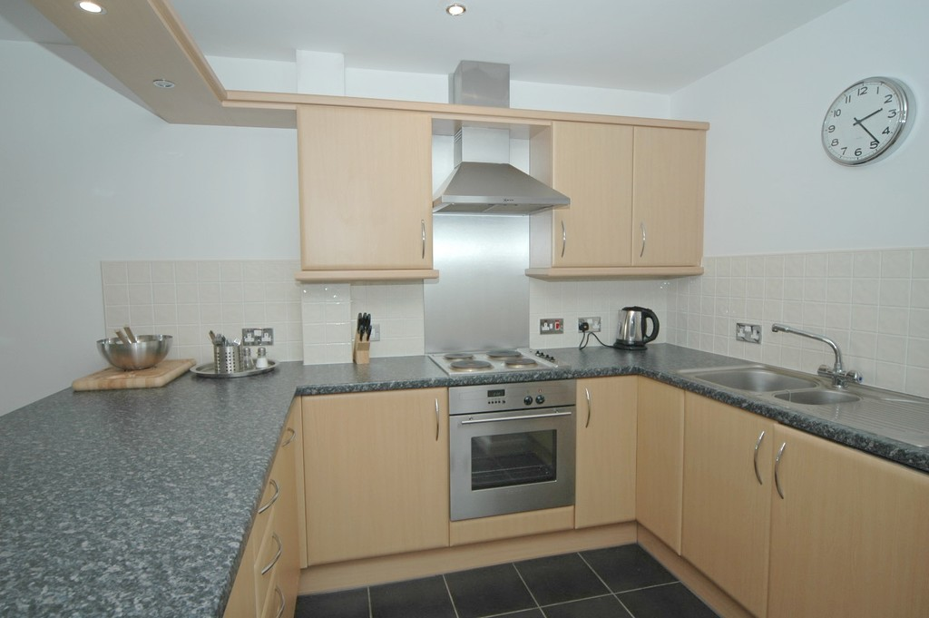 properties to rent hull, Kingston Court, Apartment