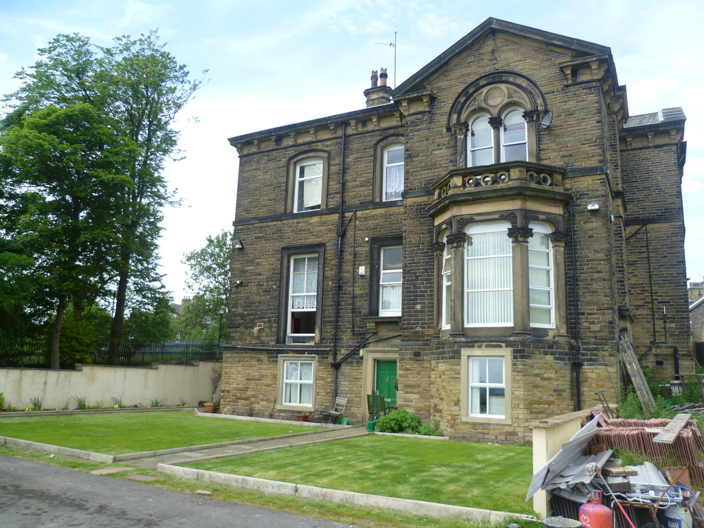 Oak Villas, Allerton