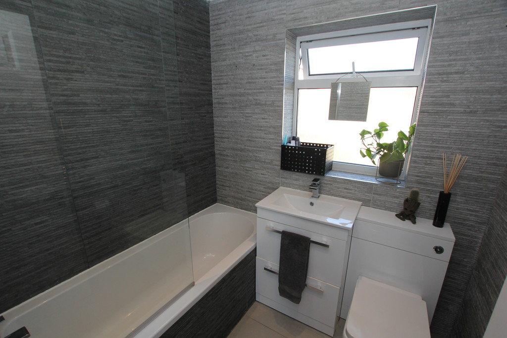 3 Bedroom End Terraced House, Chester