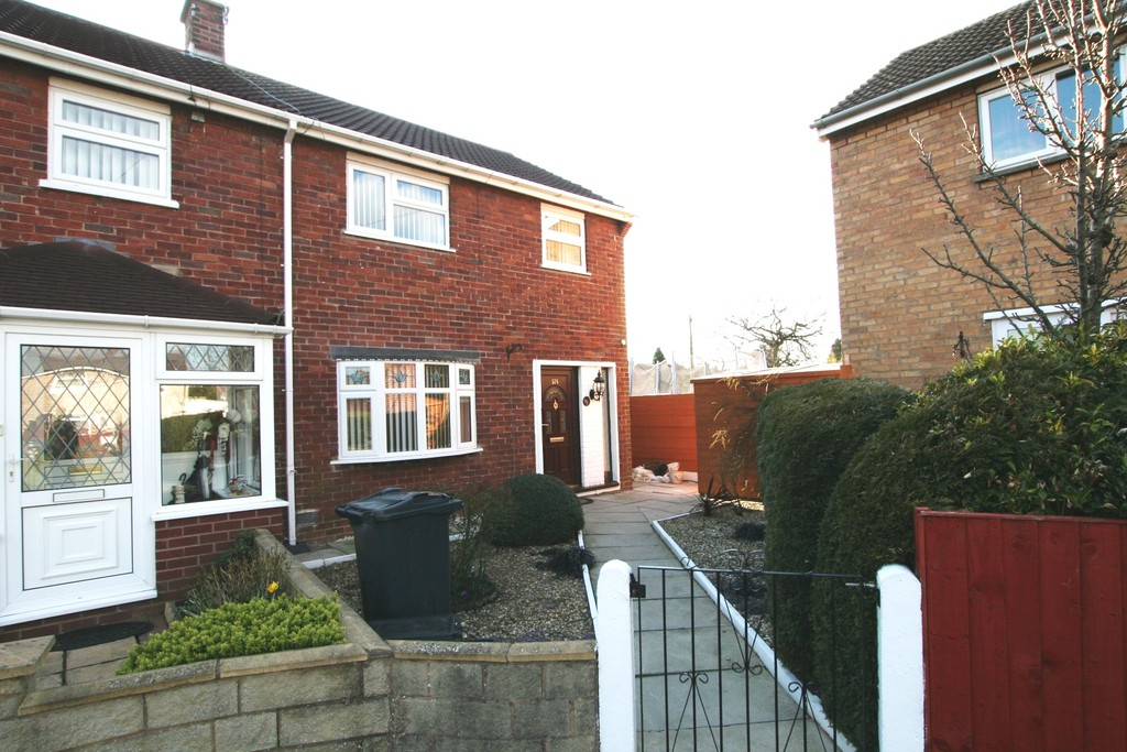 Newhall Road, Upton