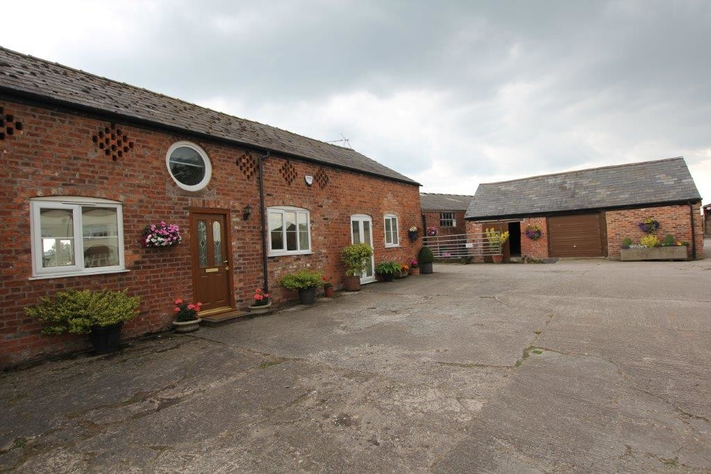 2 Bedroom BARN CONVERSION, Hargrave