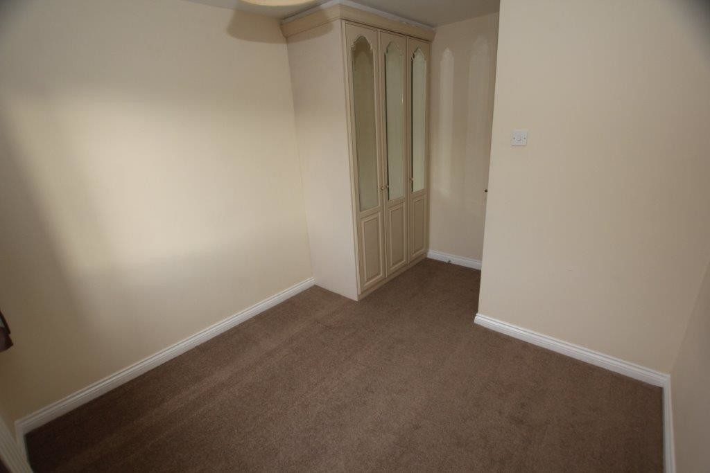 5 Bedroom HOUSE, Ellesmere Port